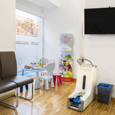 dentisti-roma-studio-dentistico-dr-federico-emiliani-via-delle-cave-59-roma (10)